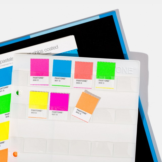 Pantone Pastel & Neon Chip Book Solid Coated & Uncoated [Pantone Book]