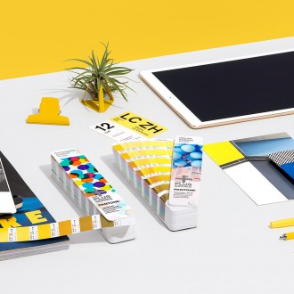 Pantone BRIDGE-TO-SEVEN Fan Guide Set Extended Gamut