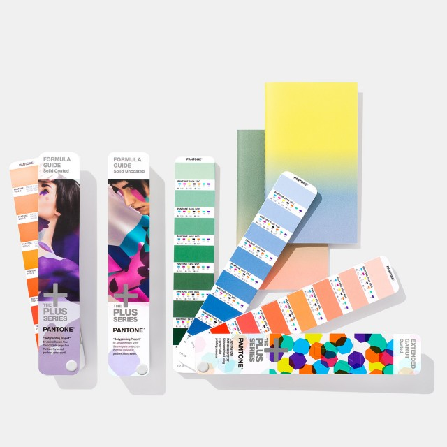Pantone SOLID-TO-SEVEN Fan Guide Set Extended Gamut
